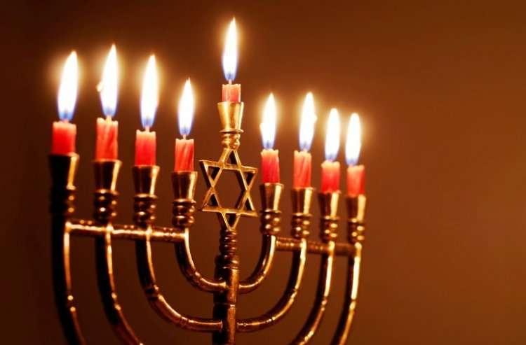 Молитвы и благословения при зажигание ханукальных свечей
