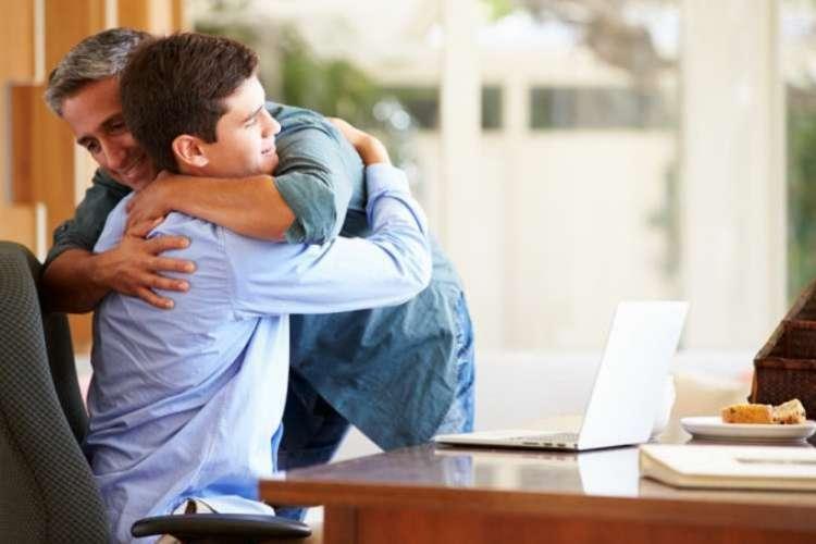 Взгляд может изменить действительность - секрет правильного общения родителей с подростками
