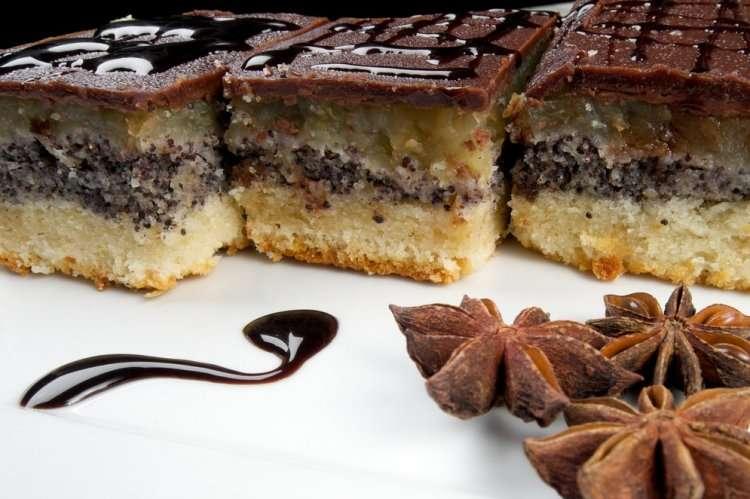 Пирог с маком, шоколадом и яблоками на Пурим - фото для иллюстрации